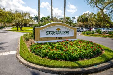 Gallery sign wall that reads Stonebridge Country Club 2100